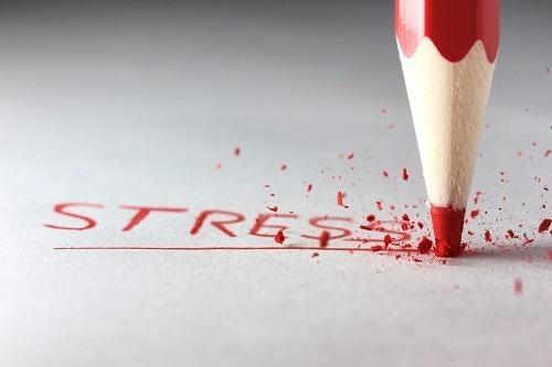Qu'est-ce qui nous stresse ? Voici une analyse des sept principales causes du stress