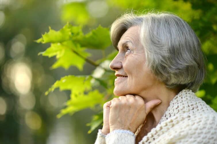 60 conseils de femmes âgées de 60 ans aux jeunes femmes de 30 ans