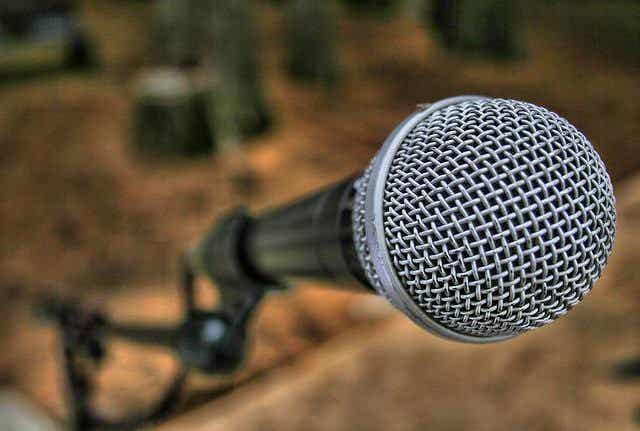 Comment surmonter le trac de parler en en public