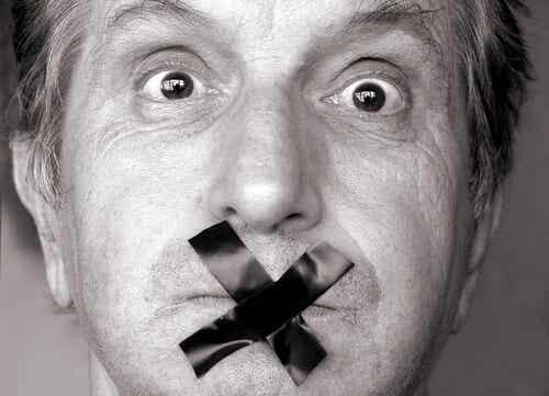 7 moments dans lesquels il est mieux de se taire