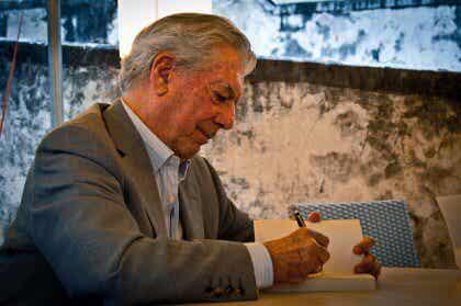 Les 9 livres indispensables selon Vargas Llosa