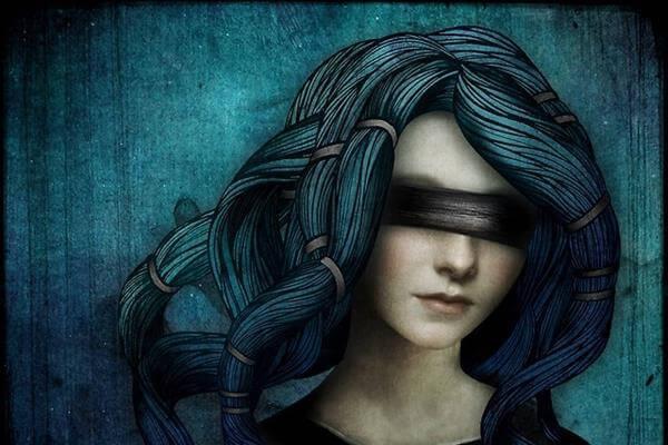 femme-yeux-bandes