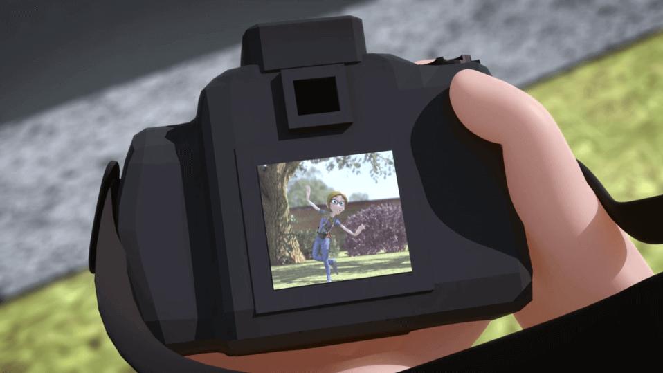 Hombre-mirando-foto-de-su-chica