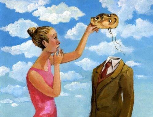 Mujer-quitandole-careta-hombre