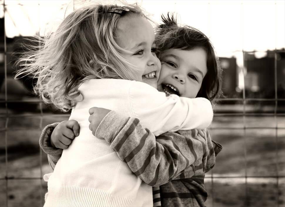Vos amis vous serrent dans leurs bras, et le monde respire avec vous