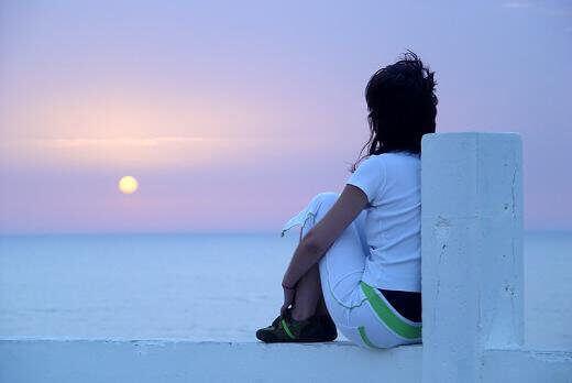 femme-coucher-du-soleil