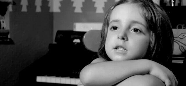 Ce court-métrage nous apprend les valeurs de l'enfance