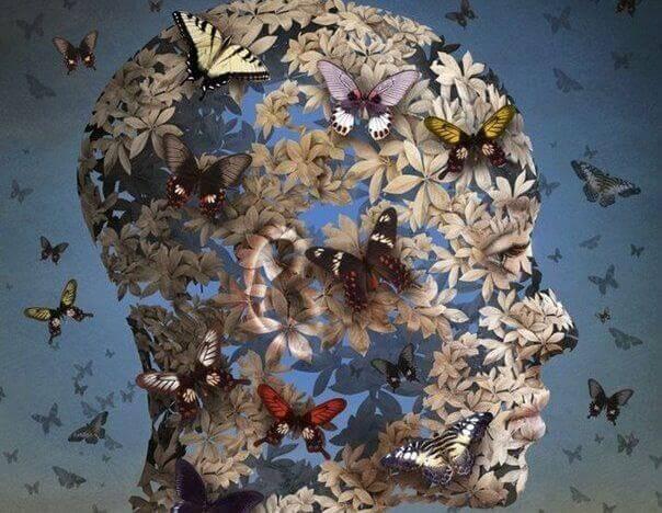 Tete-feminine-papillons
