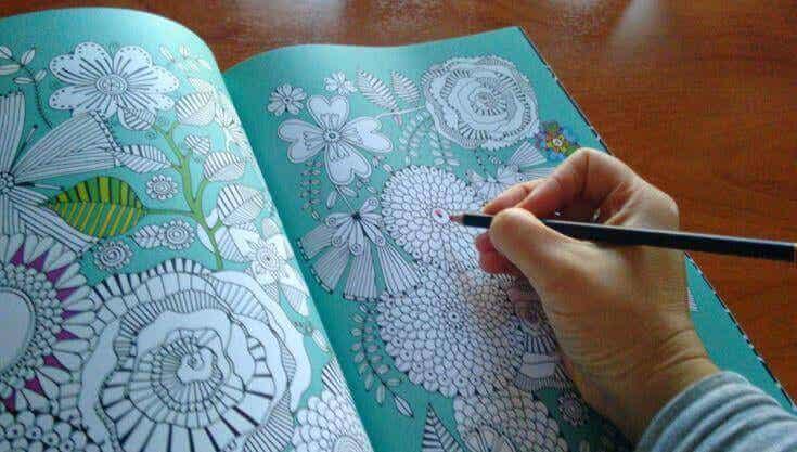 Faire du coloriage lorsqu'on est stressé : une nouvelle façon de se relaxer