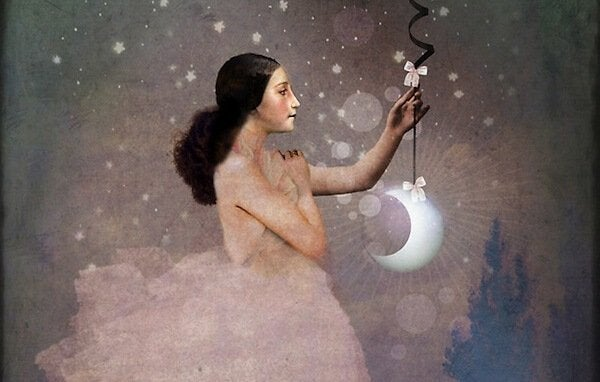 Femme-tenant-une-lune