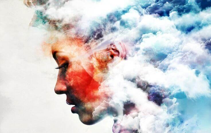 Profil-entre-les-nuages