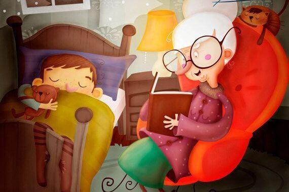 grand mere en train de lire un conte a son petit fils