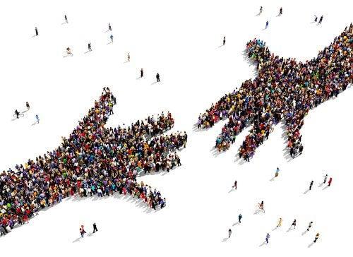 mains de personnes