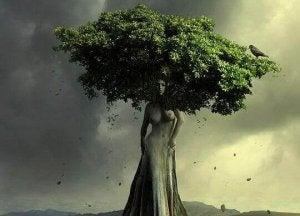 árbol-en-forma-de-mujer
