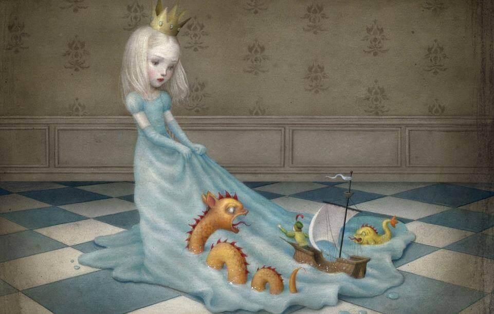 Enfant-avec-couronne-de-princesse-jouets