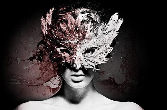 Femme-avec-masque