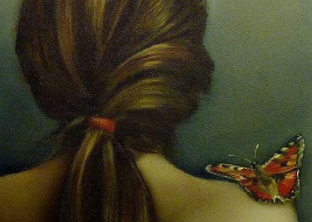 mariposa-sobre-un-hombro-desnudo