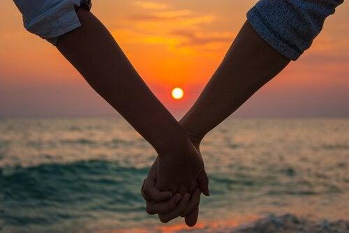 L'amour crépusculaire : ces amours matures qui arrivent au bon moment