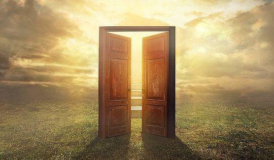 Si la porte ne s 39 ouvre pas ce n 39 est pas votre chemin for Porte qui s ouvre lumiere