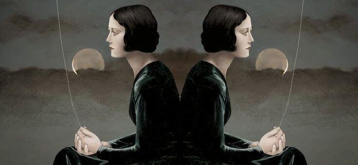 deux femmes dos a dos