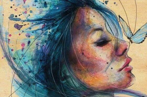mujer-con-cabello-azul
