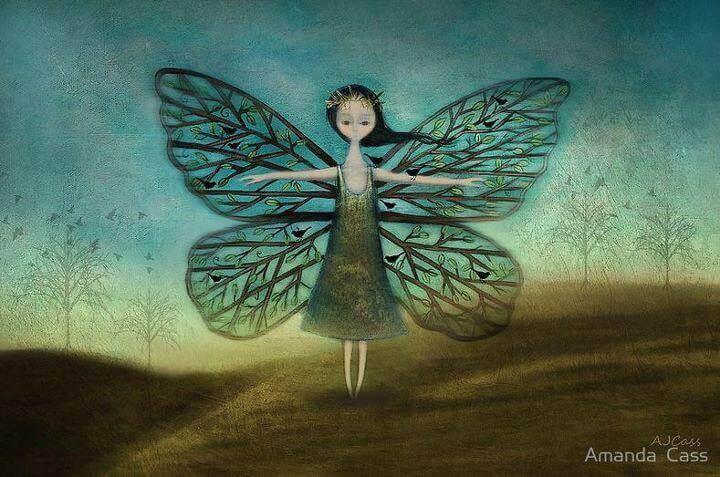 Femme-avec-des-ailes-de-papillon