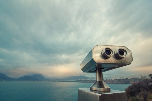 Longue-vue-observer-la-mer