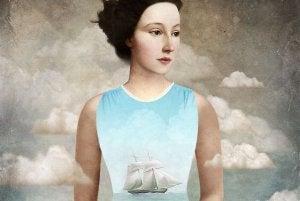 femme-bateau-sur-la-poitrine