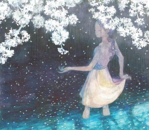 femme-sous-des-fleurs-blanches-profitant-de-son-bonheur