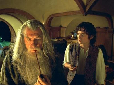 gandalf-entrega-el-anillo-a-frodo