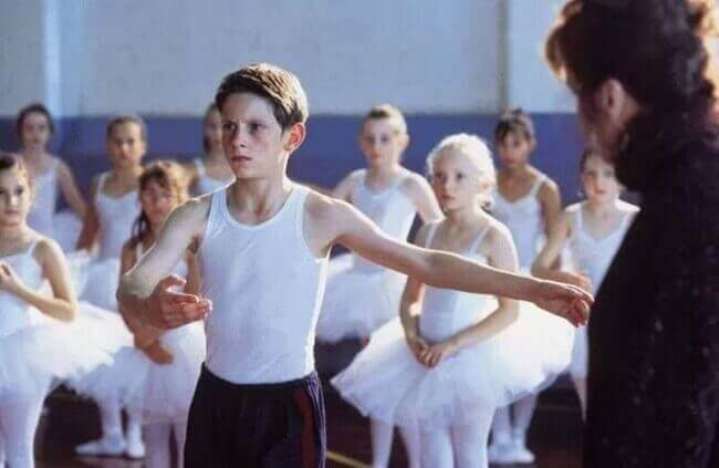 Billy-Elliot-bailando-ballet