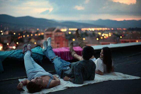 amigos-noche