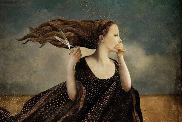 femme-se-coupant-les-cheveux