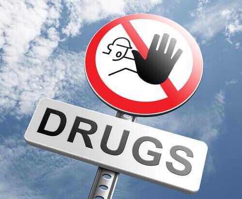 panneau-interdit-aux-drogues