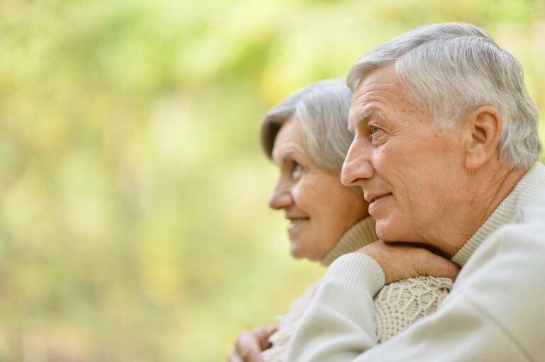 pareja-ancianos-768x511