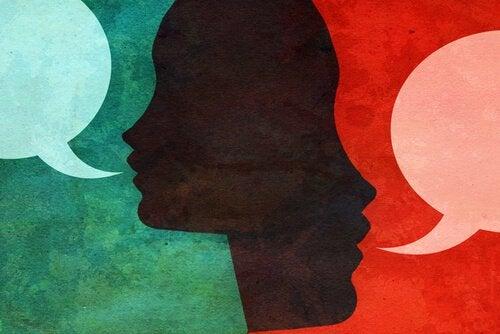personnes-parlant