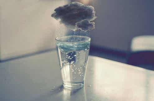 Parfois, il vaut la peine d'être triste et brisé en mille morceaux