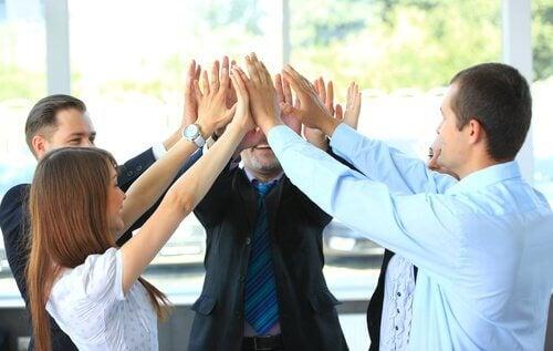 Un bon environnement de travail transforme l'obligation en plaisir