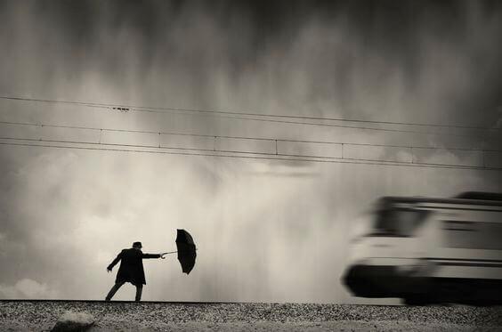 hombre-con-paraguas-1