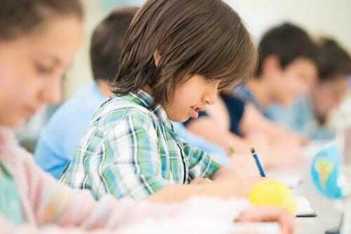 enfants-devoirs