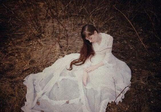 femme-robe-blanche