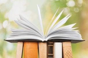 libro-abierto-sobre-otros-libros