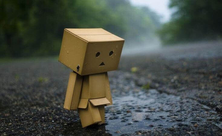 pantin-en-carton-triste