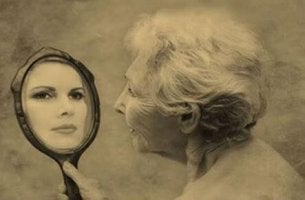 Quand l 39 ind pendance se transforme en solitude nos for Vieillir miroir
