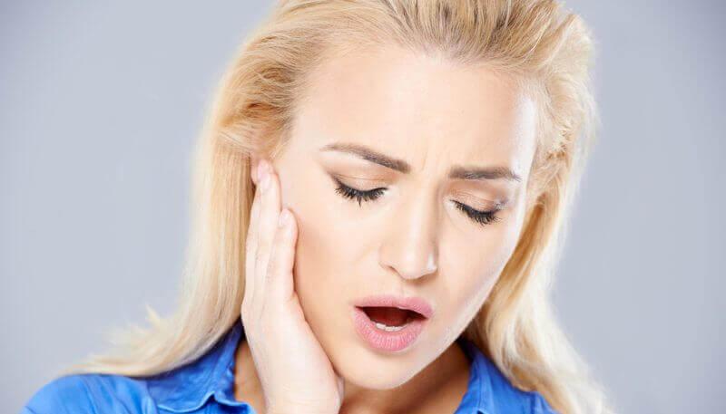 Le bruxisme et les causes du grincement de dents