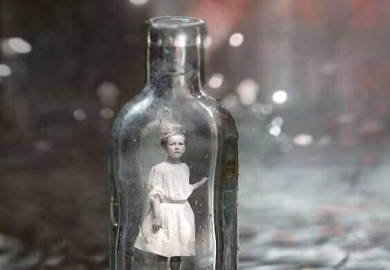 nina-en-botella