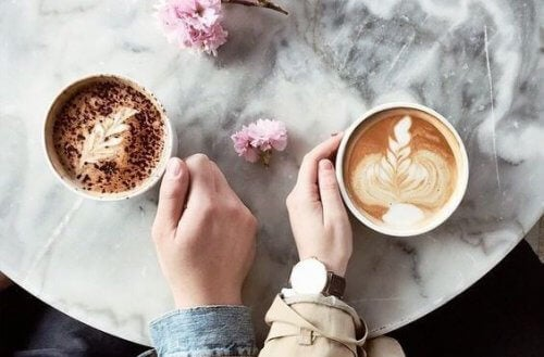 pareja-cafe