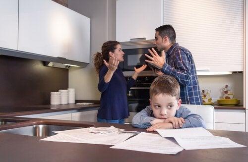 padres-enfadados