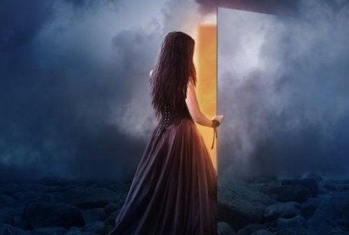 Parfois, quand on ferme la porte sur quelque chose, c'est tout un univers qui s'ouvre