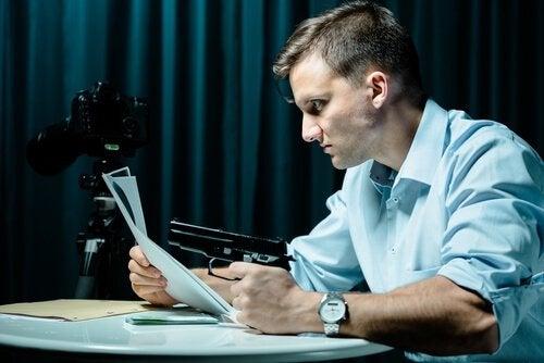 hombre-psicopata-trabajando